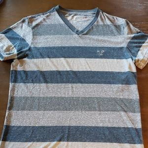 American eagle t shirt size medium